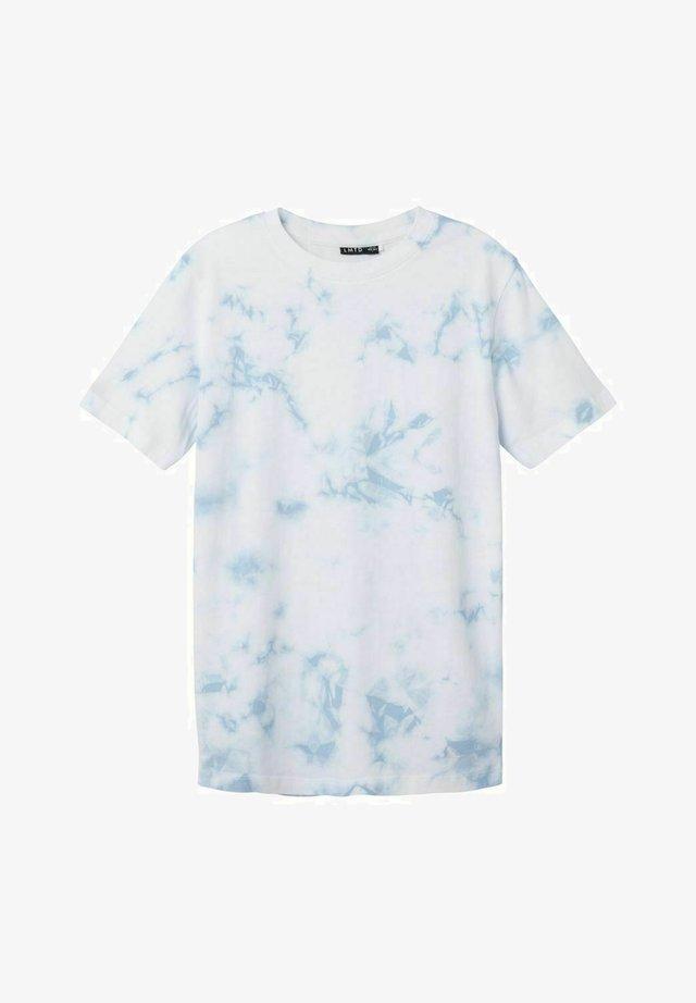 BATIK - T-shirt med print - skyway