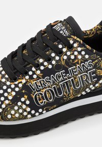 Versace Jeans Couture - SPYKE - Trainers - nero/oro - 5