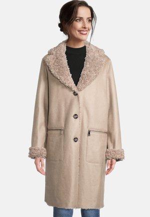 MIT WENDEFUNKTION - Short coat - beige