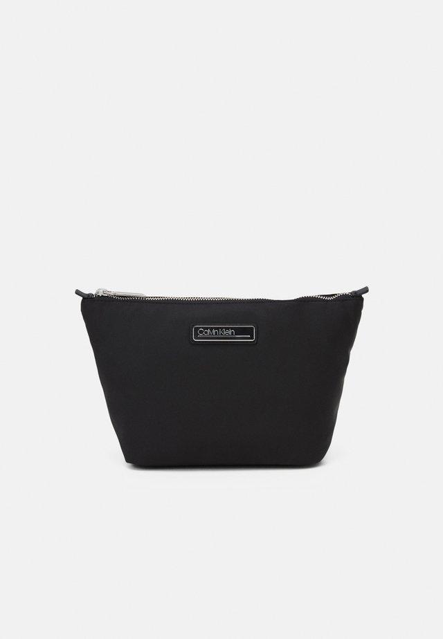WASHBAG - Kosmetická taška - black