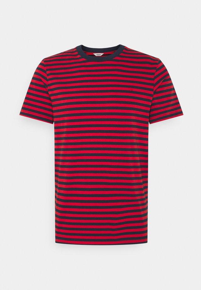 JJRDD STRIPE TEE CREW NECK - T-shirt print - pompeian red