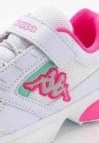 Kappa - KRYPTON - Sportschoenen - white/pink - 2