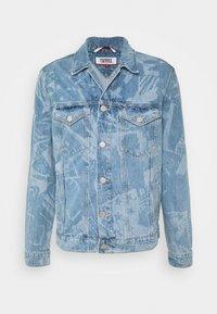 Tommy Jeans - REGULAR TRUCKER - Spijkerjas - laser light blue - 4