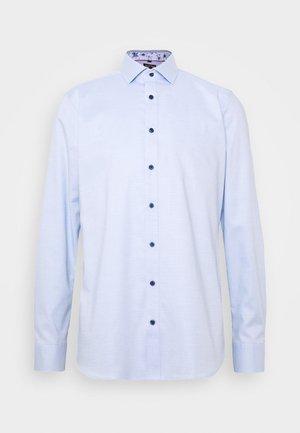 OLYMP LEVEL 5 BODY FIT  - Formal shirt - hellblau