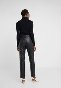 2nd Day - BOOGIE - Leather trousers - black - 2