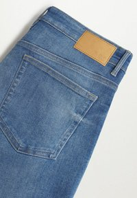 Mango - SKINNY  - Slim fit jeans - mittelblau - 7