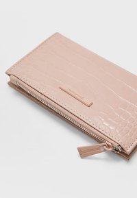 Stradivarius - MIT PATCHWORK - Wallet - pink - 4