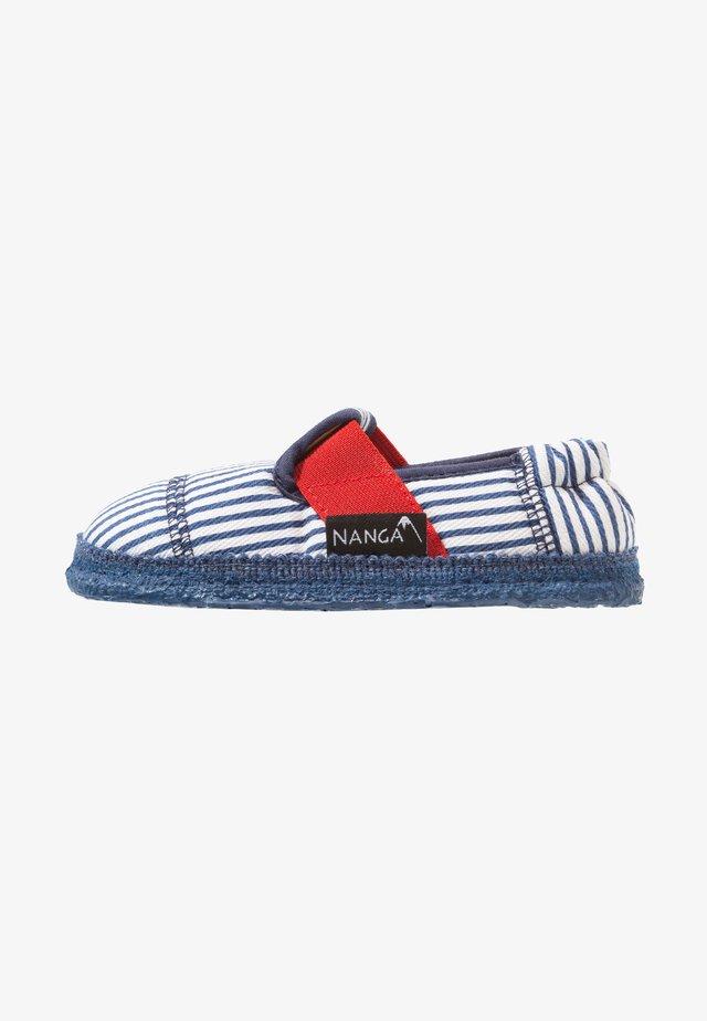 SANDBURG - Domácí obuv - dunkelblau