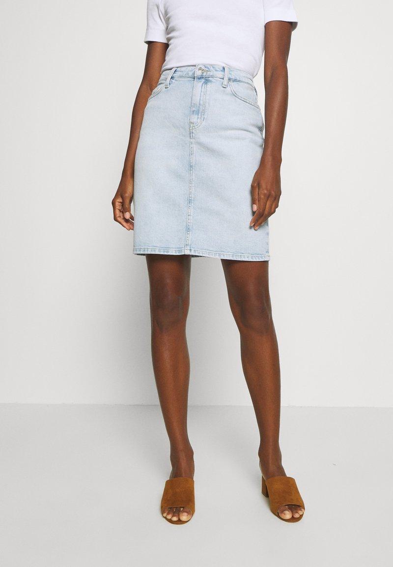 Tommy Hilfiger - ROME STRAIGHT SKIRT LOTA - Pencil skirt - light-blue denim
