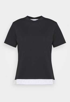 TAPE MODERN STRAIGHT TEE - T-shirts med print - black