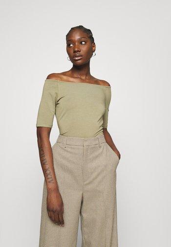 TANSY  - Basic T-shirt - light khaki