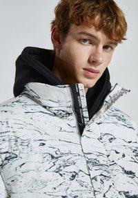 PULL&BEAR - Winter jacket - off-white - 3