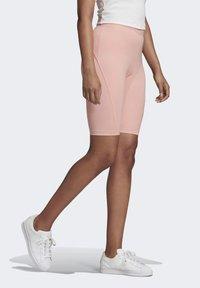 adidas Originals - R.Y.V. SHORT TIGHTS - Shorts - pink - 3