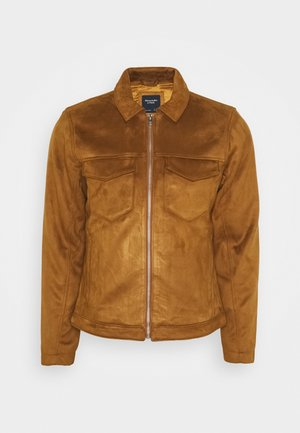 SUEDE ZIP TRUCKER  - Faux leather jacket - cognac