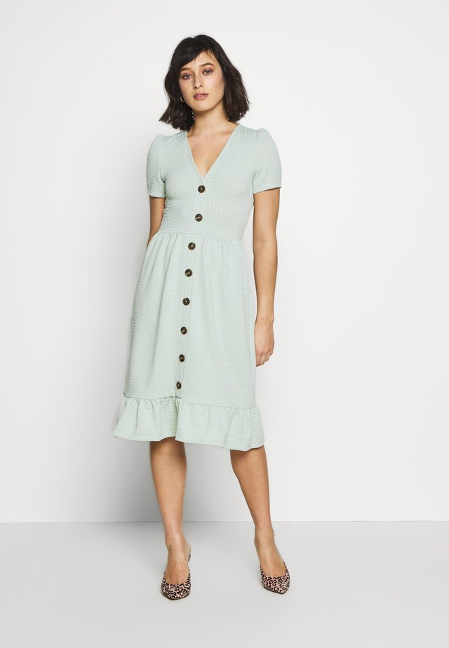 CRINKLED MIDI DRESS - Jersey dress - sage