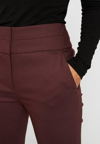 Forever New Petite - GEORGIA PANT - Trousers - wine - 6