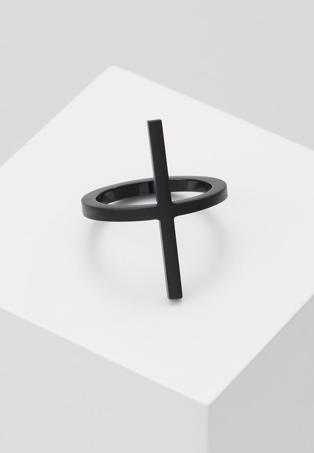 DASH - Ringar - black