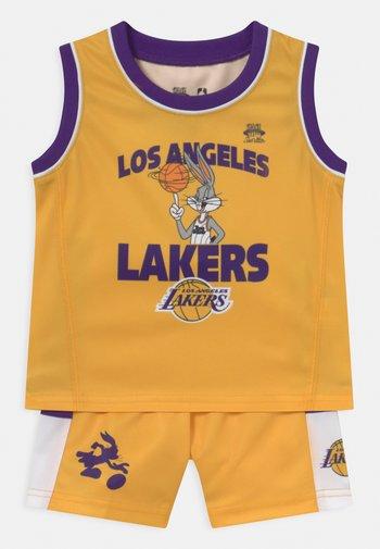NBA LOS ANGELES LAKERS SPACE JAM ZONE DEFENSE SET UNISEX - Squadra - yellow