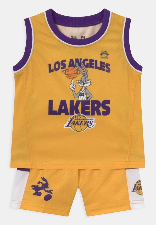 NBA LOS ANGELES LAKERS SPACE JAM ZONE DEFENSE SET UNISEX - Club wear - yellow