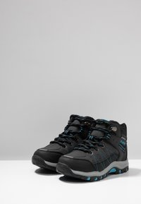 Hi-Tec - SHIELD WP - Trekingové boty - dark grey/black/lake blue - 3