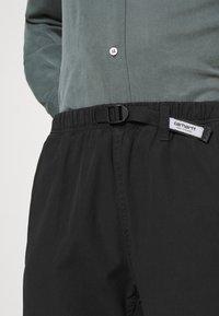 Carhartt WIP - CLOVER LANE - Shorts - black - 5