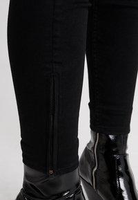Lee - SCARLETT CROPPED - Jeansy Skinny Fit - black rinse - 3