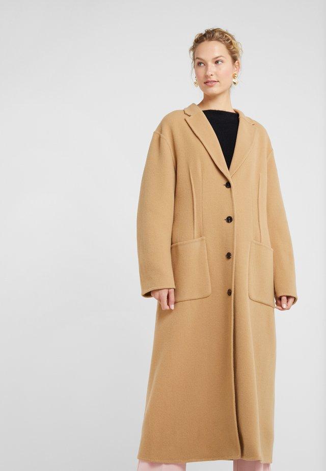 DOUBLE FACED TAILORED COAT - Płaszcz wełniany /Płaszcz klasyczny - tan
