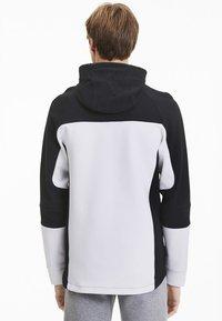 """Puma - PUMA HERREN SWEATSHIRTJACKE """"EVOSTRIPE"""" - Zip-up hoodie - white - 2"""