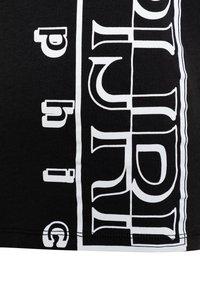Napapijri - SERI - Print T-shirt - black - 2