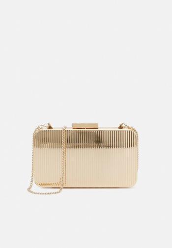 BOX BAG SEAGULL S - Clutch - gold