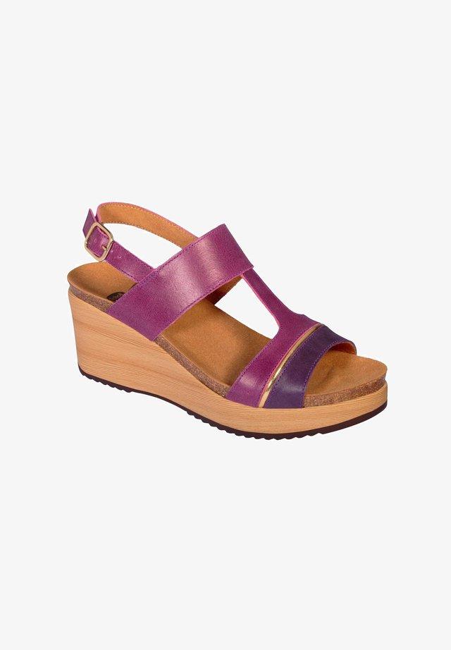MIT KEILABSATZ ELYSSA - Sandalen met sleehak - violett
