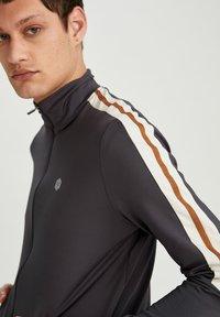 DeFacto Fit - Zip-up hoodie - indigo - 4