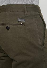 Strellson - RYPTON - Chino kalhoty - dark green - 5