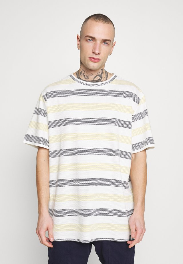 STRIPE TEE - T-shirt imprimé - yellow