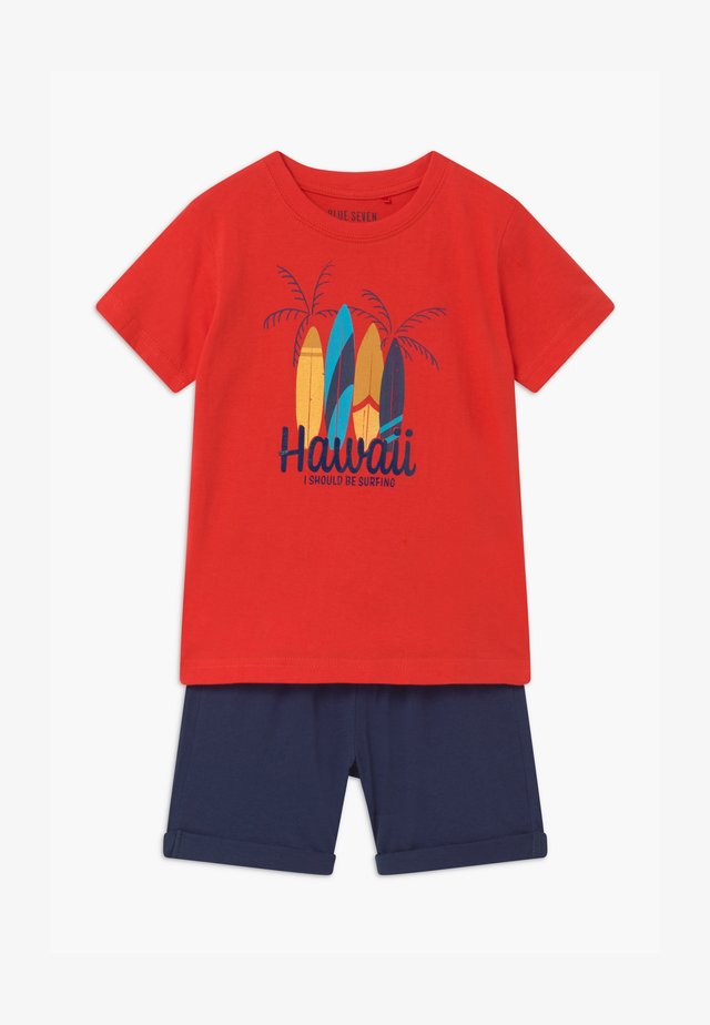 SMALL BOYS HAWAII SET - Jogginghose - tomate