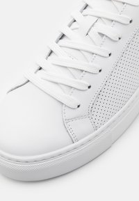 GARMENT PROJECT - TYPE PERFORATED - Sneakers laag - white - 5