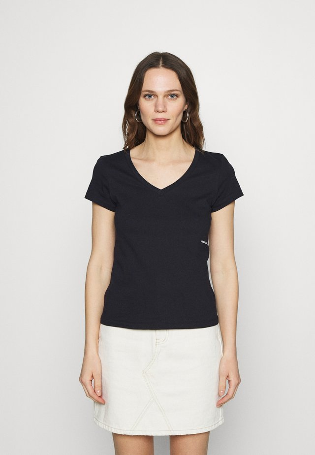 MICRO BRANDING OFF PLACED VNECK - T-shirt basic - black