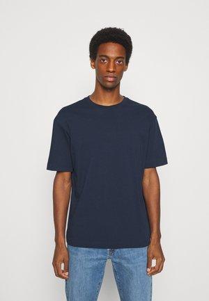 SLHLOOSEGILMAN O NECK TEE - T-shirt basic - navy blazer