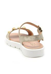 CLARYS - METALIZADA PLATINO - Sandals - oro - 2
