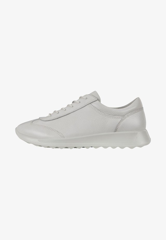 FLEXURE RUNNER W  - Sneakersy niskie - white
