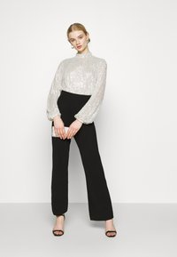 Nly by Nelly - HIGH NECK SEQUIN BLOUSE - Topper langermet - grey - 1