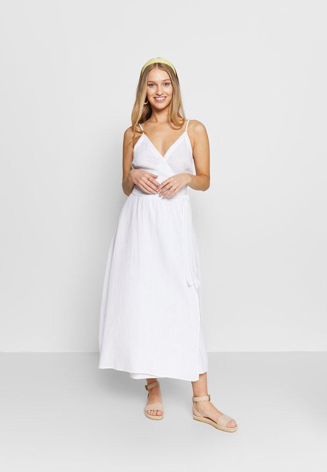 BEACH EDIT DOUBLE CLOTH WRAP DRESS - Beach accessory - white