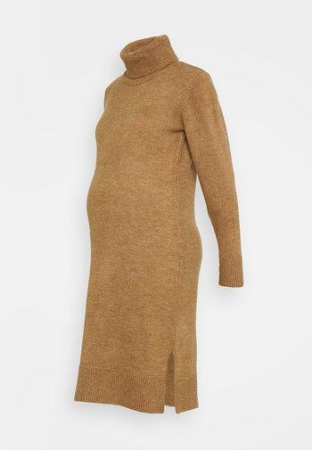 MLSUNN HIGH NECK DRESS - Strikket kjole - indian tan