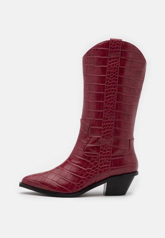 STRAIGHT  - Cowboy/Biker boots - wine red