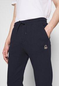 Benetton - TROUSERS - Pantalon de survêtement - darkblue - 3