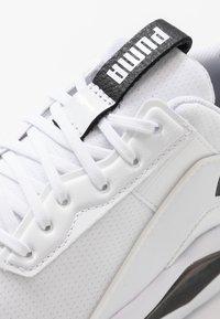 Puma - LQDCELL SHATTER XT GEO - Trainings-/Fitnessschuh - white/black - 5