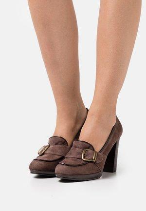 Platform heels - caoba