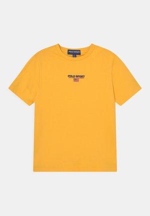 Basic T-shirt - chrome yellow