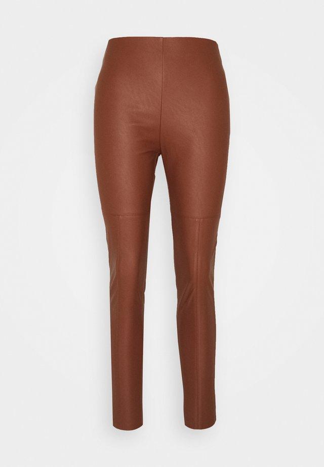 ANSELMO  - Spodnie materiałowe - brown
