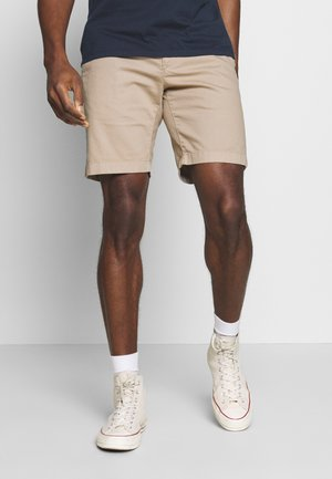 SLIM FIT PIPED BACK POCKET - Shorts - pure cashmere